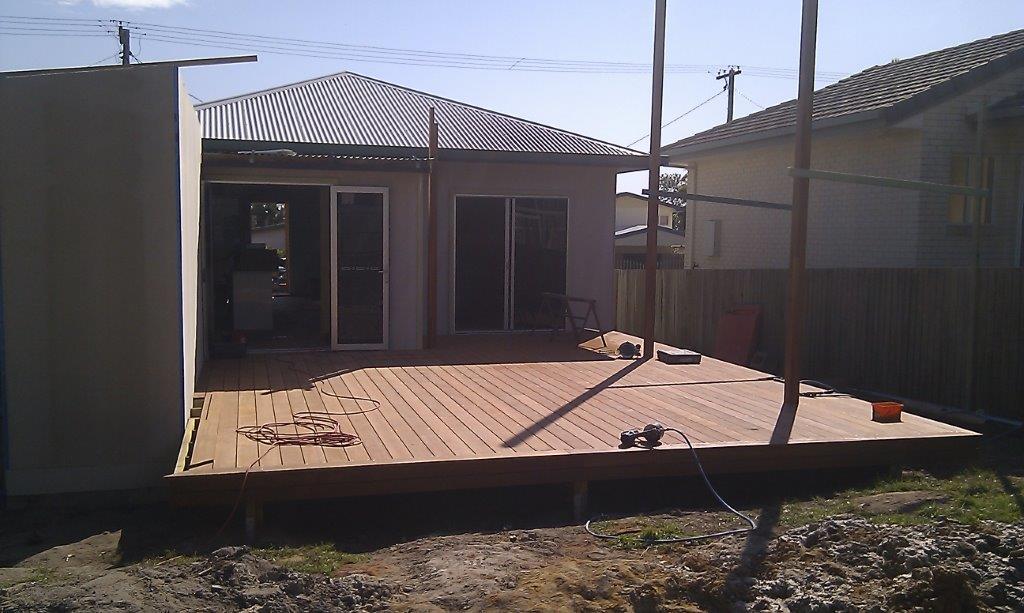 deck builder sunny coast